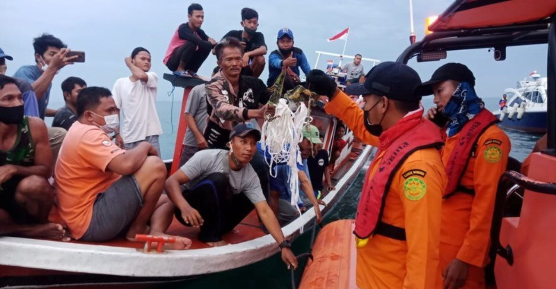 Indonesia crash site found, all 62 feared dead