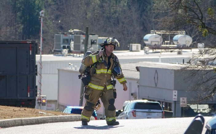Gas leak claims 6 lives in a US poultry farm