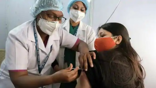 India makes a cautious start with fewer than 2 lac Covid vaccinations on Day 1