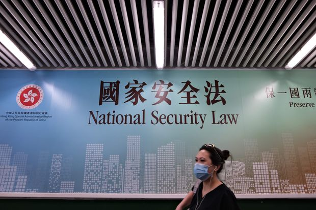 China swoops down on dissidents