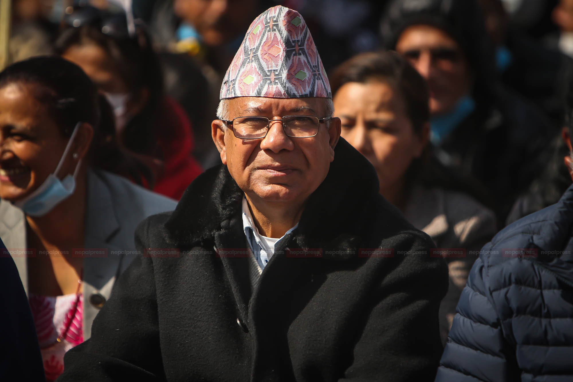 Inclination of leaders towards Baluwatar increasing, Madhav Nepal's fatigue growing