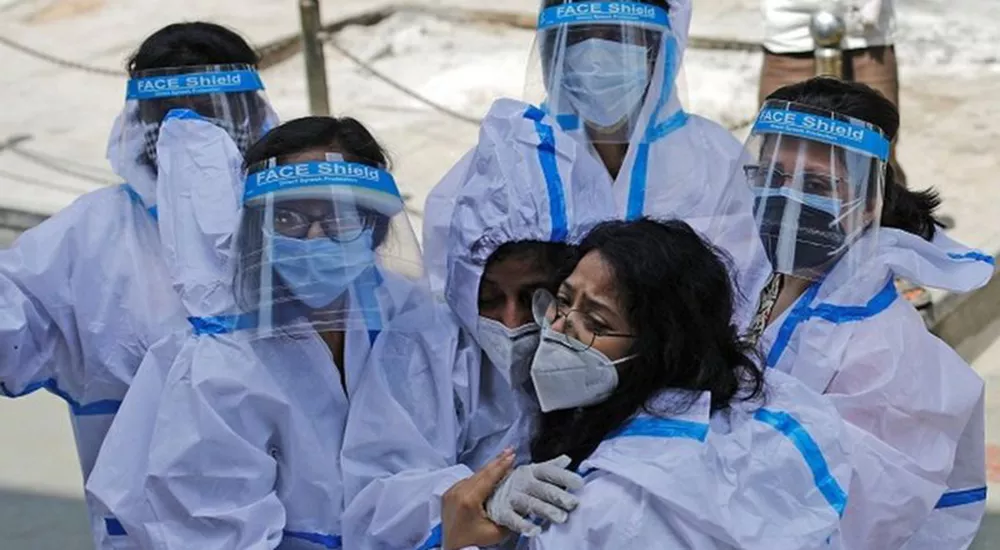 Alarming numbers of India: 2.5 million infected, 17,000 deaths in one week