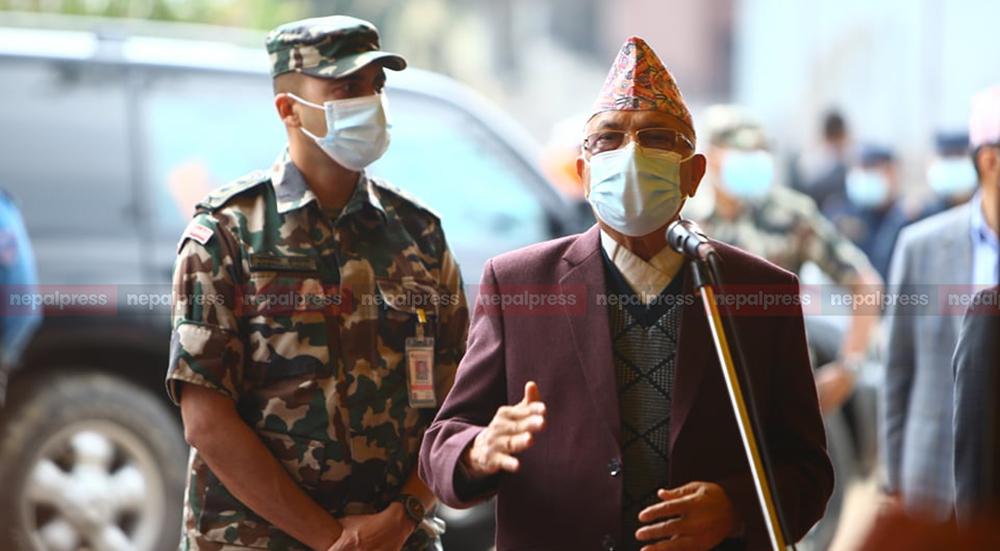 Oli warns Madhav Nepal not to consider his initiative of dialogue weak