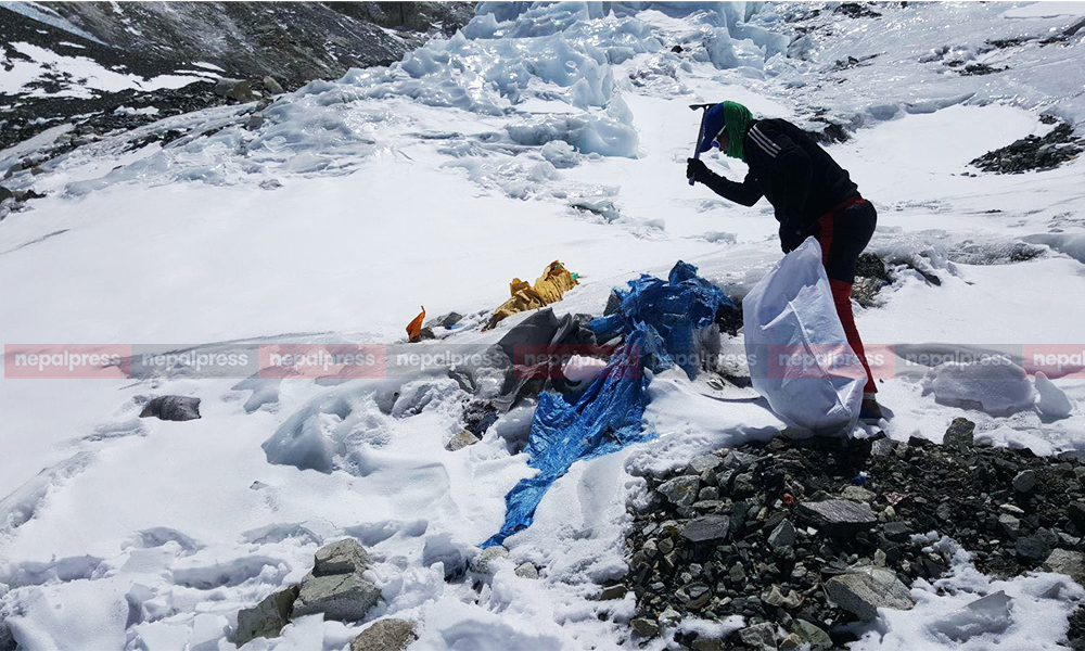 Nepal Army continue Everest clean-up campaign in PPE