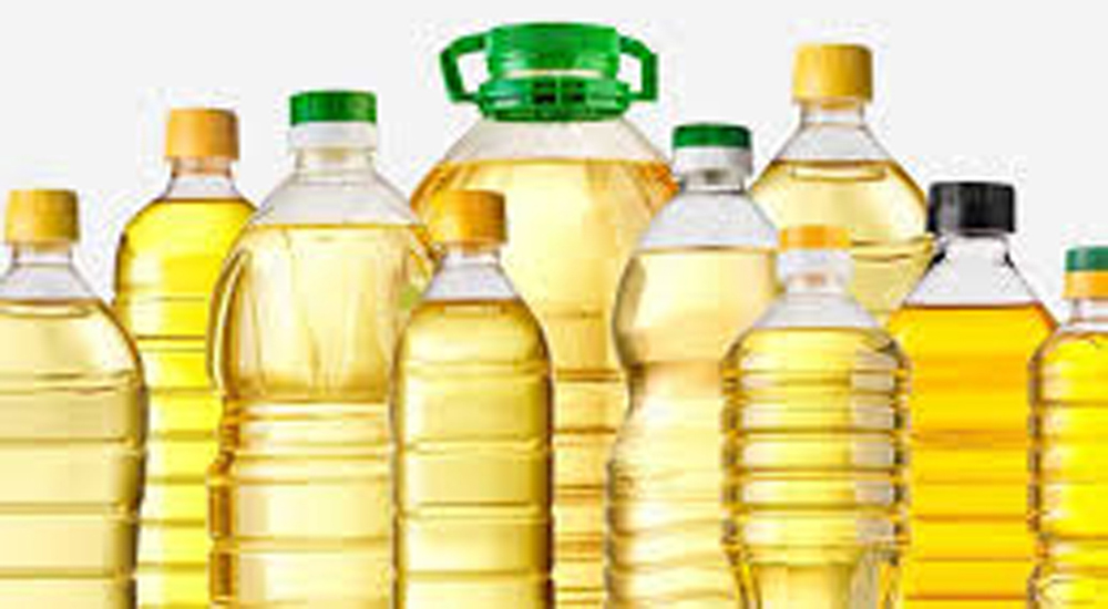 Uncontrolled price hike of up to Rs. 100 in edible oil within a year