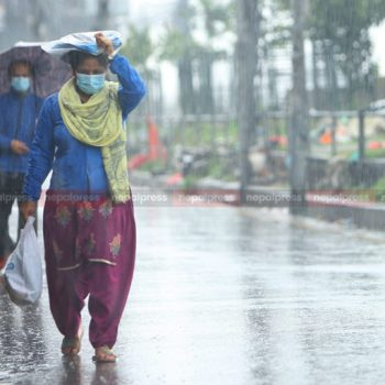 Heavy showers hit early morning shoppers