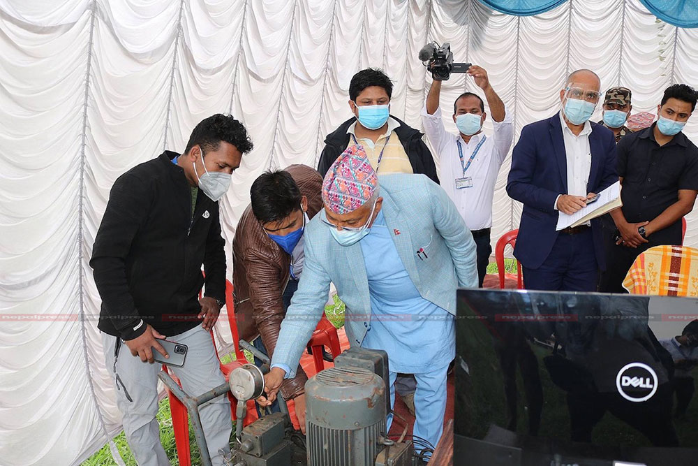 Oxygen cylinders to be produced in Nepal, NAST carries out successful experiment