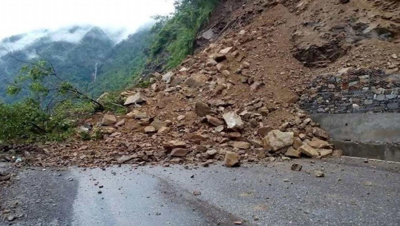 Landslide blocks Bhimphedi-Kulekhani road