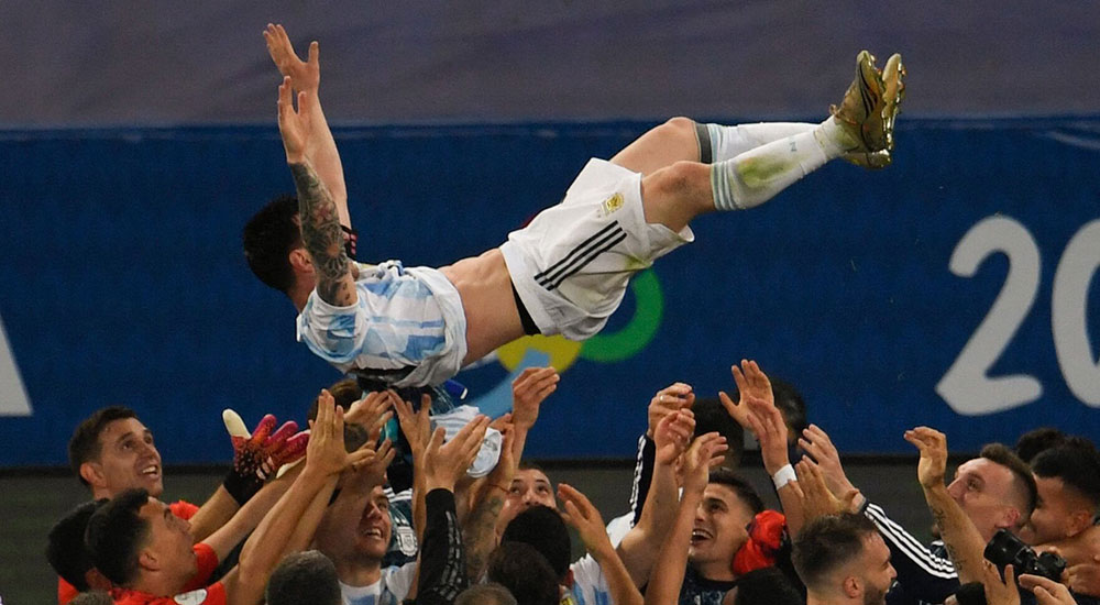 Messi roars from a new height