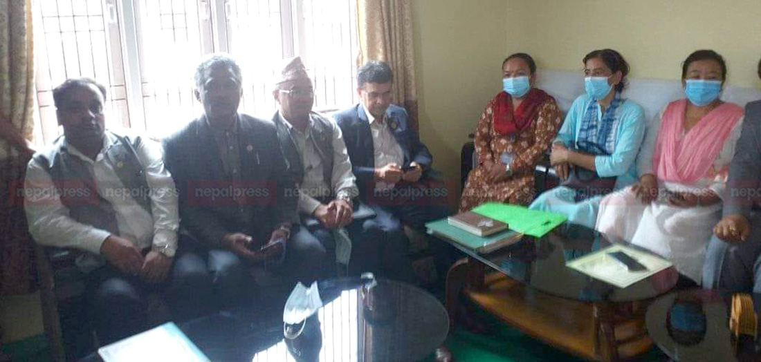 12 lawmakers of UML join CPN (Unified Socialist) in Bagmati