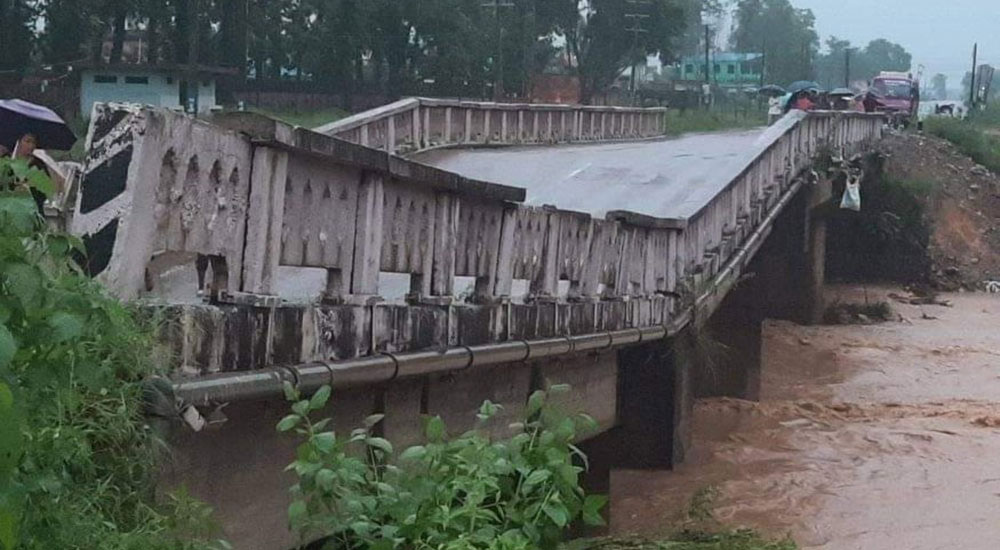 Overloaded trucks, extraction of riverbed materials responsible for collapse of bridges