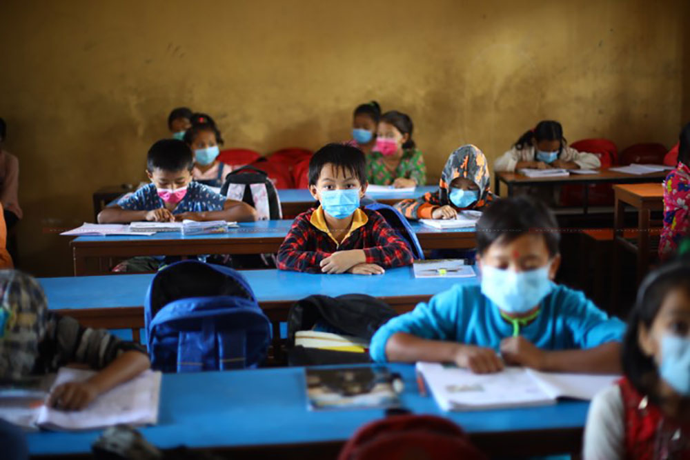 Students return to classroom after four months (With photos)