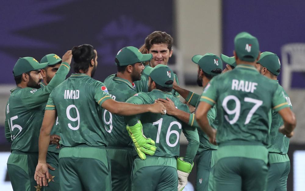 Pakistan crushes India with 10-wicket win at T20 World Cup