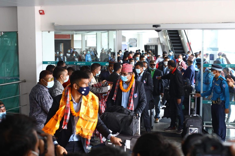 Nepali national football team receives warm welcome (With Video)