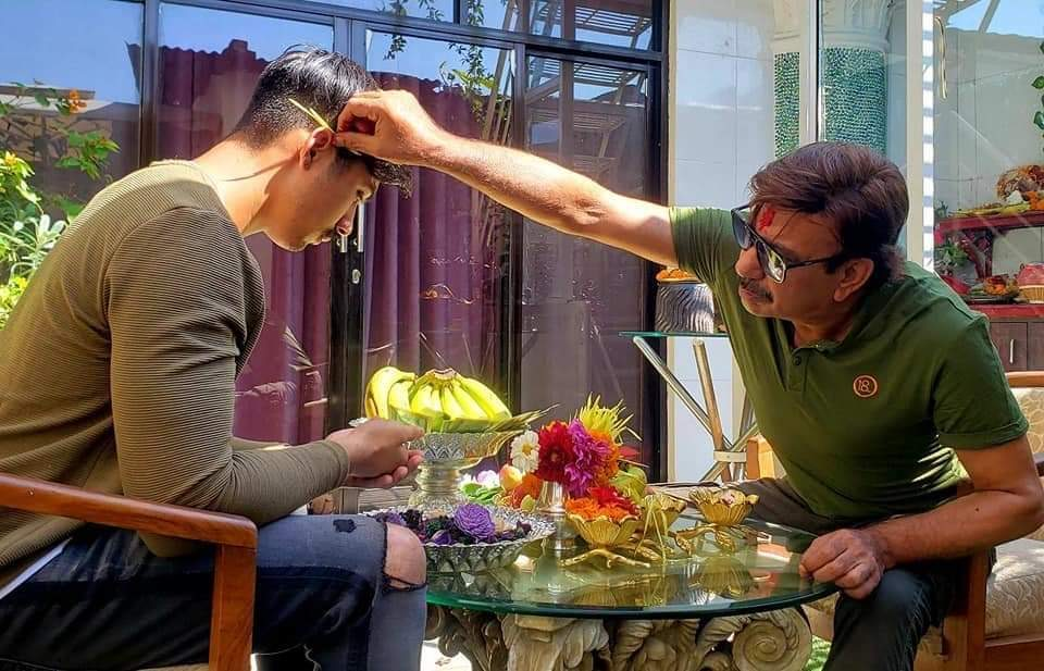 Leaders, celebrities receive Dashain tika (With photos)